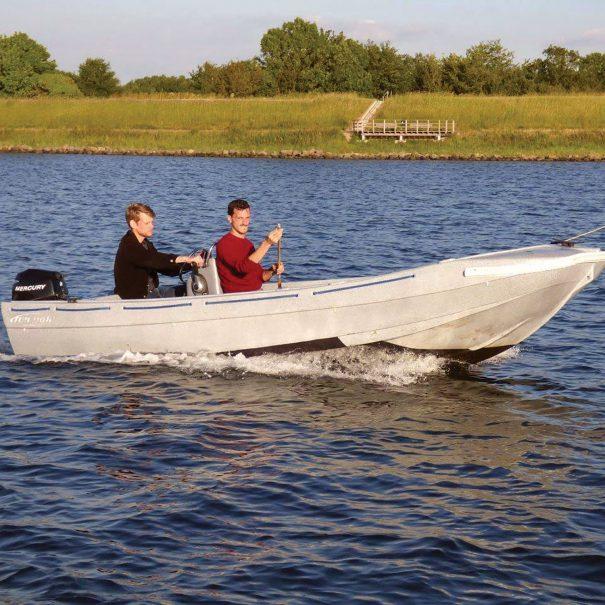 5 persoons huur boot op het Veerse meer varend met 2 personen
