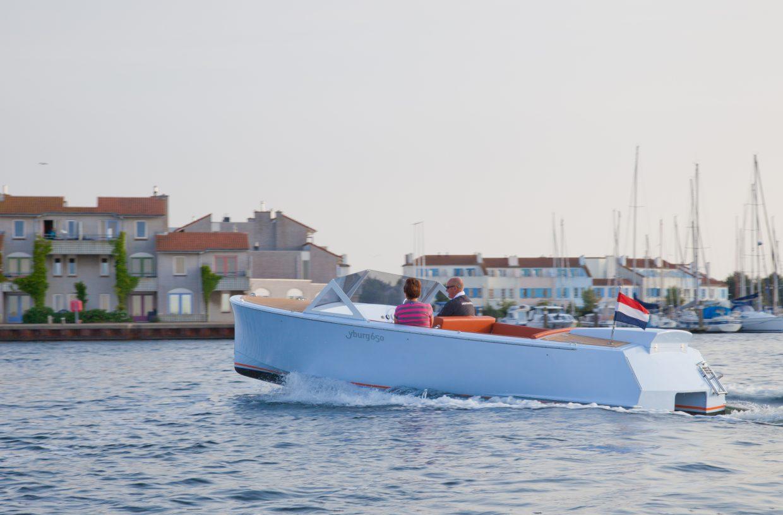 Dutch Runabout 22 sloep varend in zeeland
